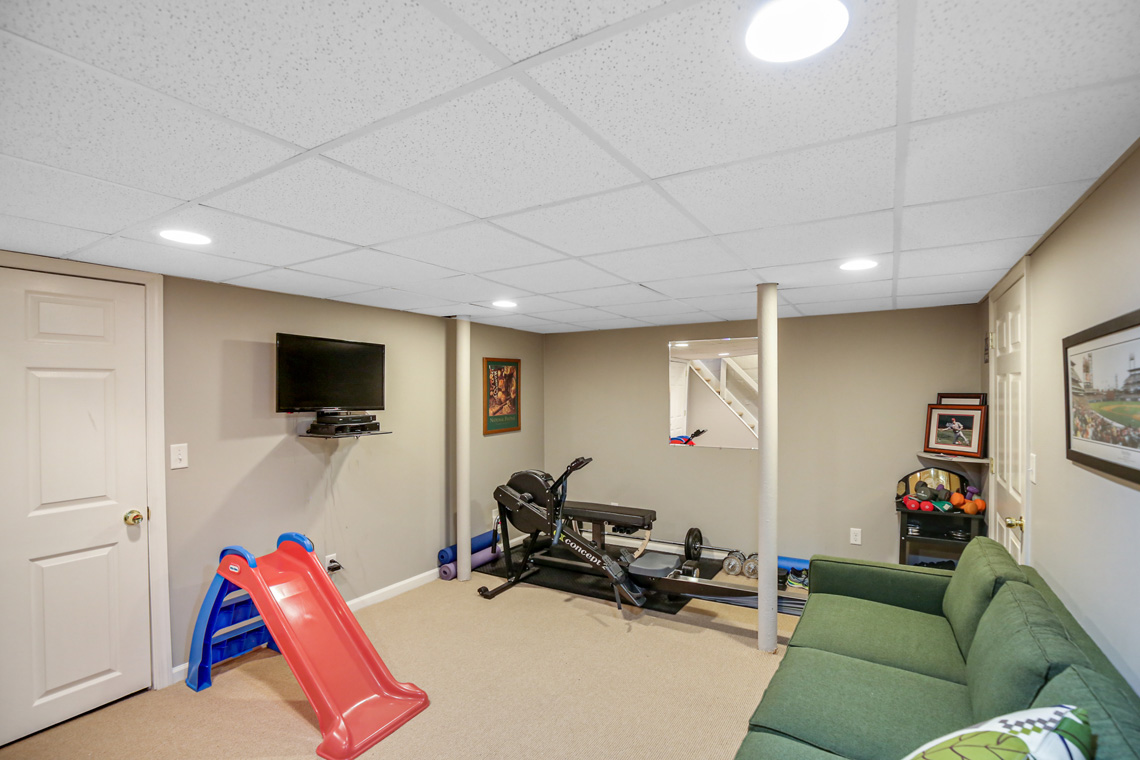 24 – 17 Colonial Way – Recreation Room