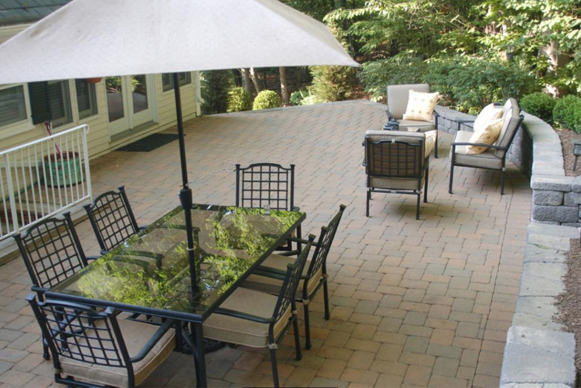 24 – 304 Forest Dr South – Patio