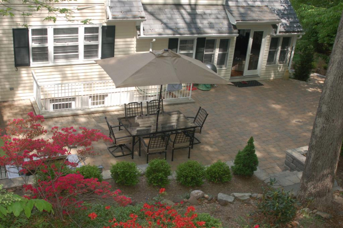 25 – 304 Forest Dr South – Patio