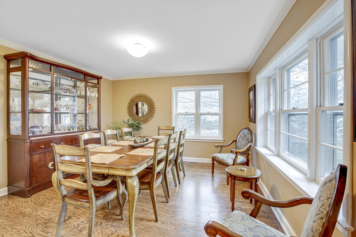 7 – 304 Forest Dr South – Dining Room