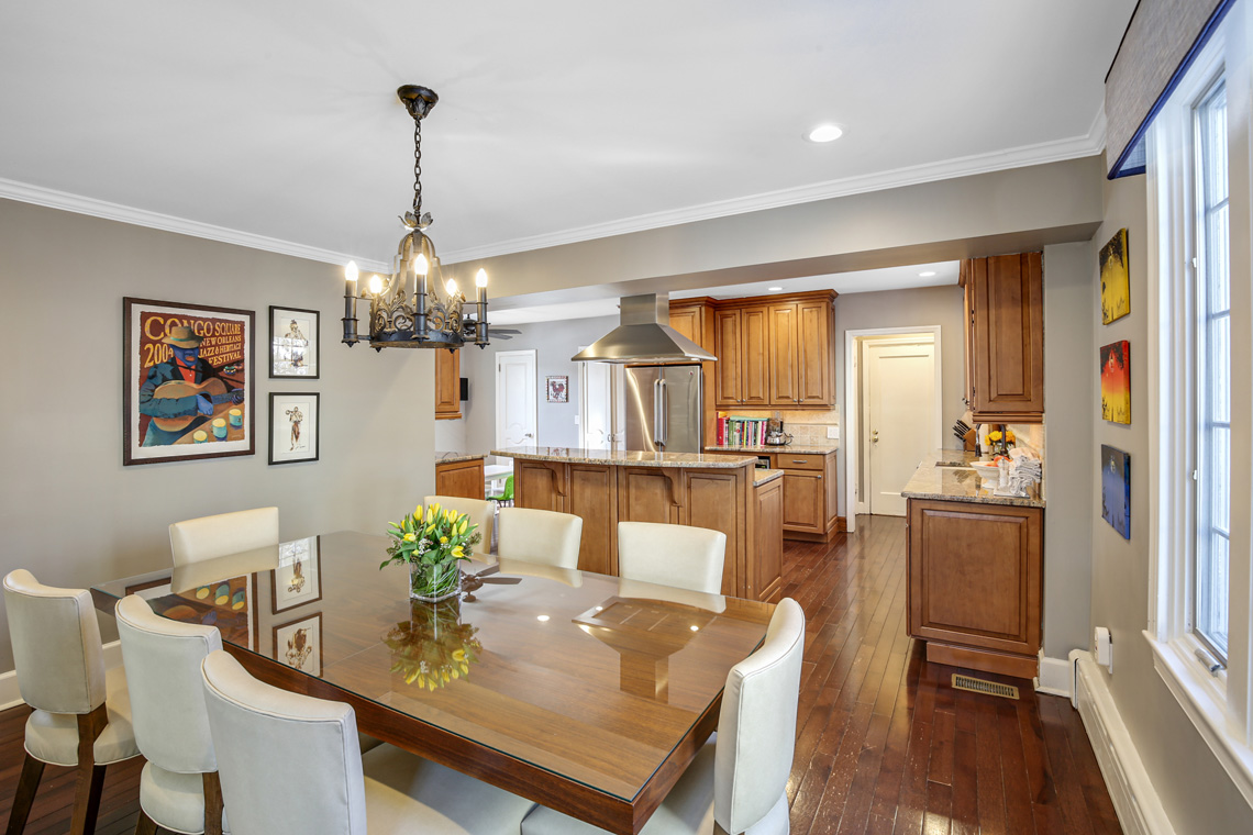 9 – 17 Colonial Way – Kitchen