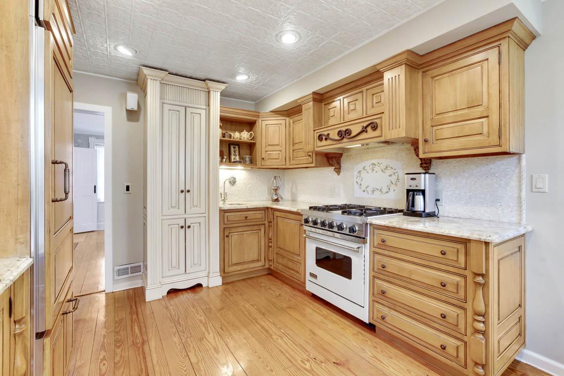 10 – 23 Whittredge Road – Kitchen