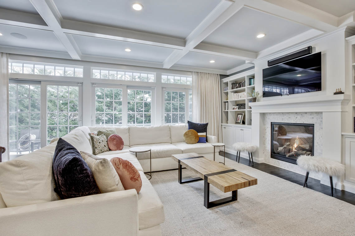 11 – 33 Parkview Terrace – Family Room