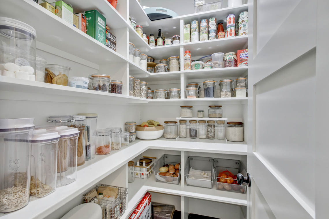 13 – 33 Parkview Terrace – Walk-in Pantry