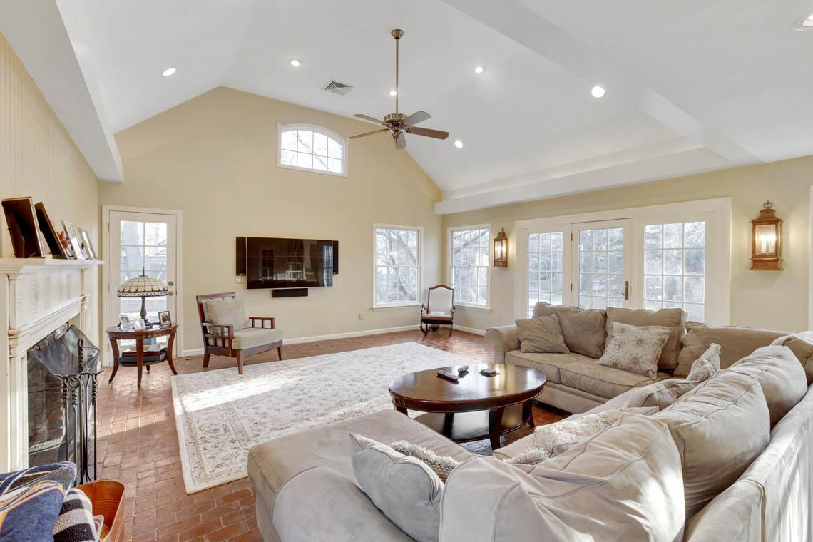 14 – 23 Whittredge Road – Family Room