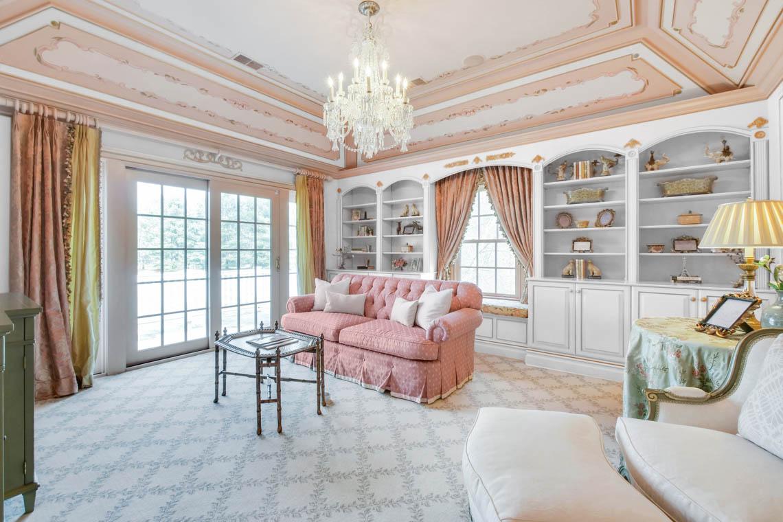 15 – 1 Pleasant Plains Road – Master Sitting Room