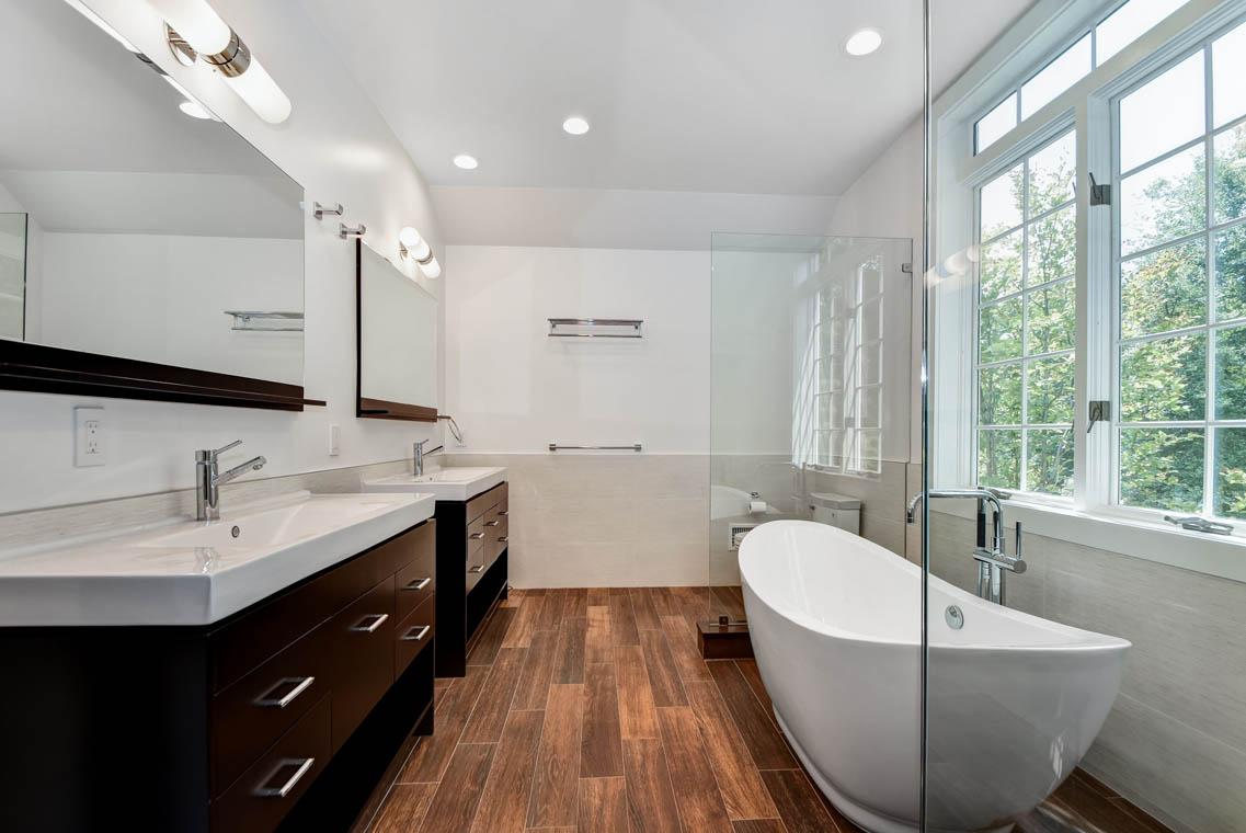 16 – 75 Minnisink Road – Spa-like Master Bath
