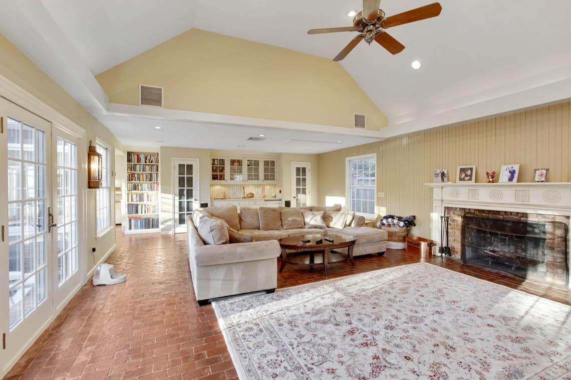 17 – 23 Whittredge Road – Family Room