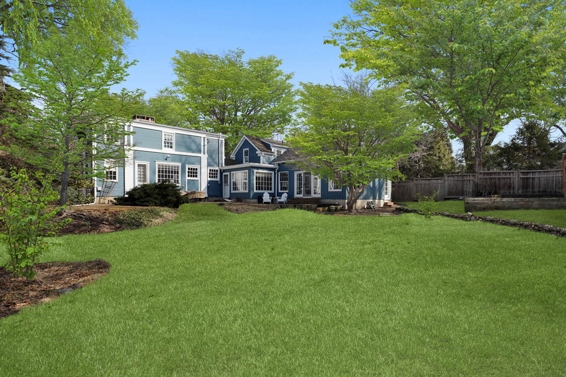 2 – 23 Whittredge Road – Amazing Backyard