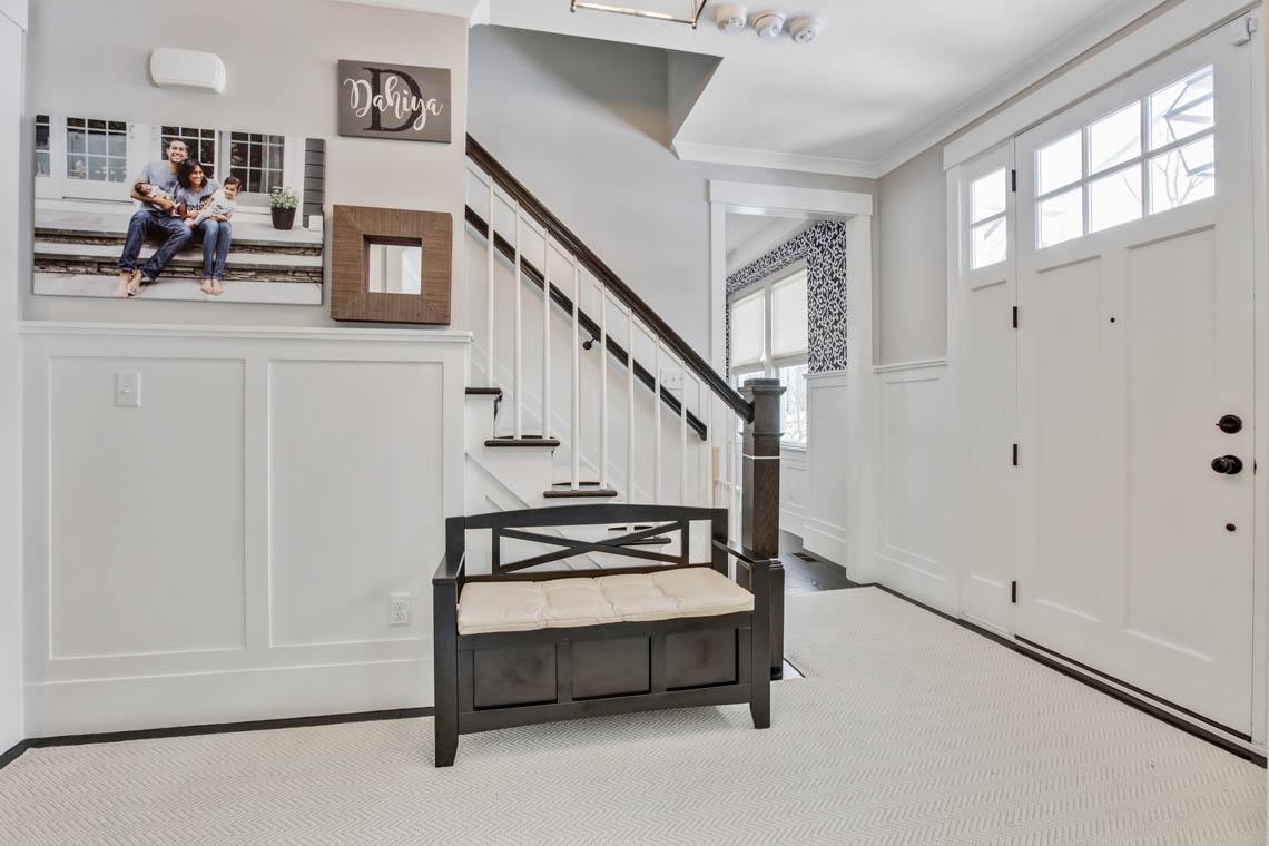 2 – 33 Parkview Terrace – Entrance Hall