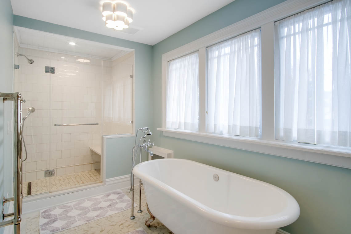 22 – 63 Crescent Place – Master Bath