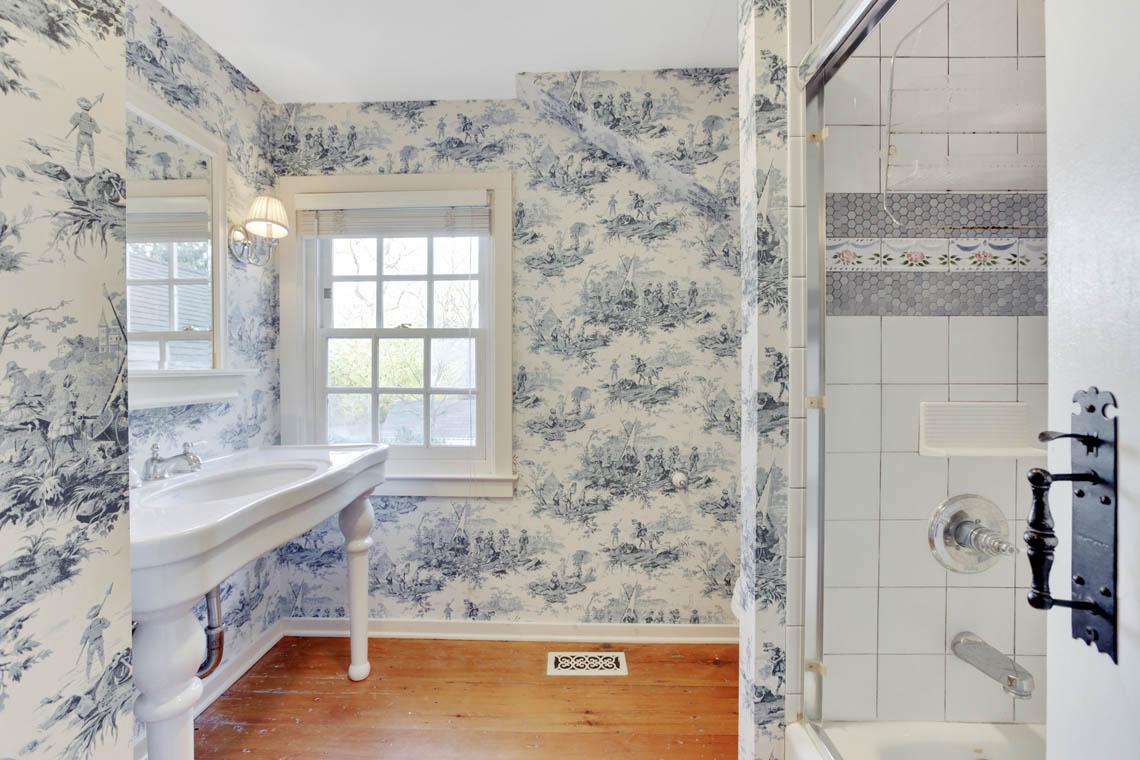 23 – 23 Whittredge Road – Full Bath