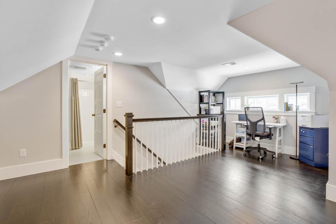 24 – 33 Parkview Terrace – Office