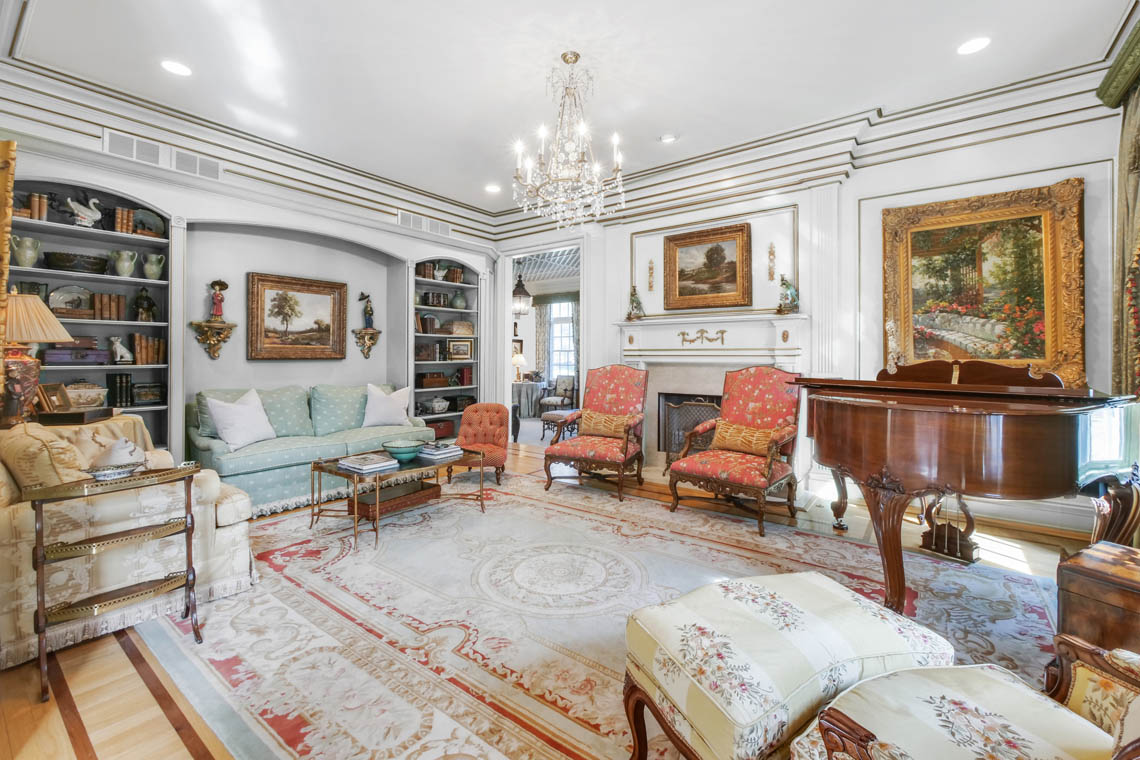 3 – 1 Pleasant Plains Road – Living Room