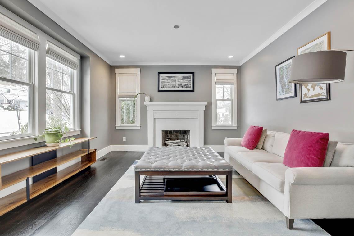 3 – 33 Parkview Terrace – Living Room