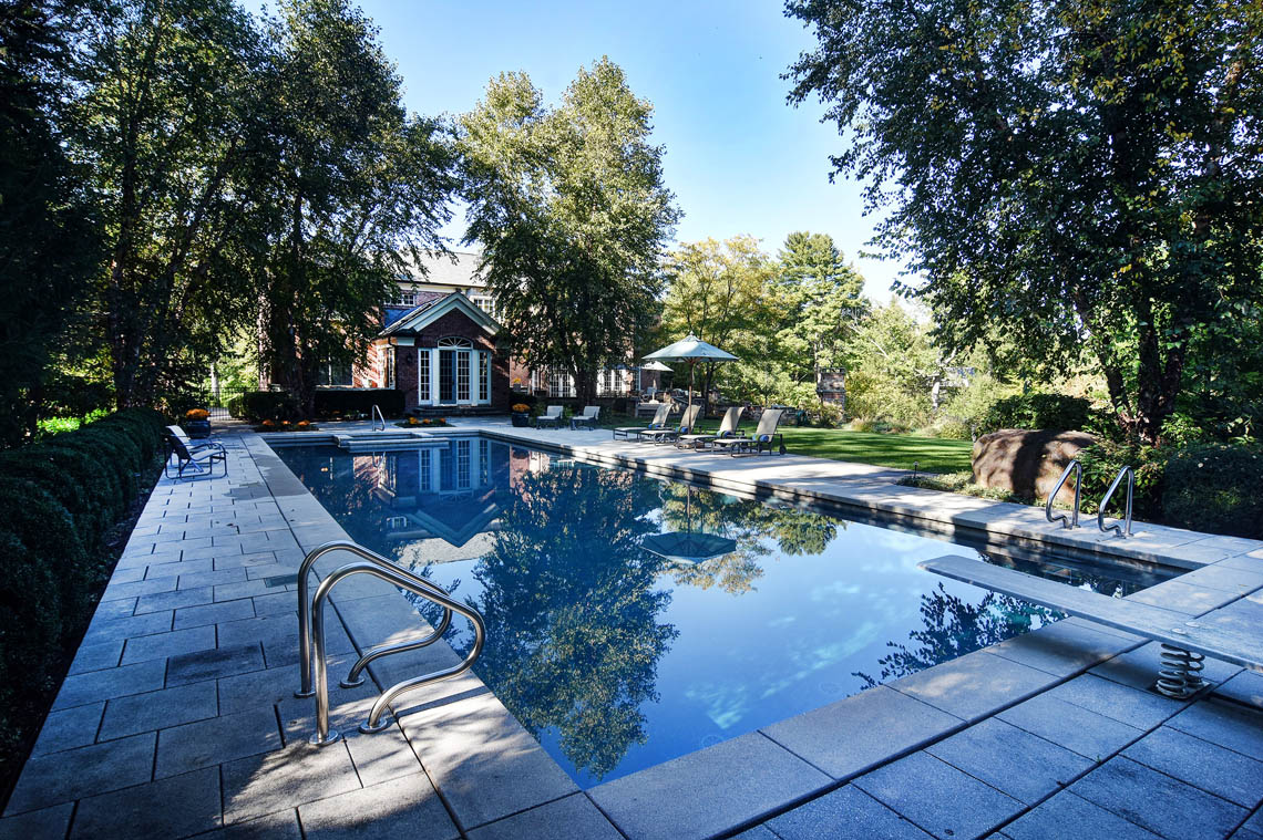 4 – 275 Hartshorn Drive – Pool & Property
