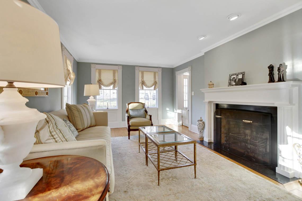 5 – 23 Whittredge Road – Living Room