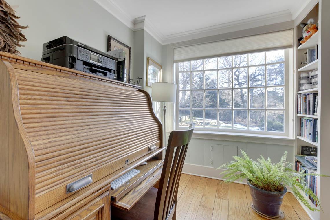 6 – 23 Whittredge Road – Sunlit Home Office