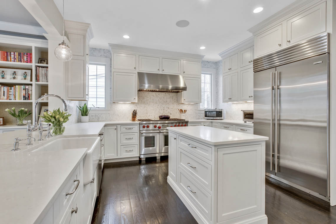 6 – 33 Parkview Terrace – Gourmet Eat-in Kitchen
