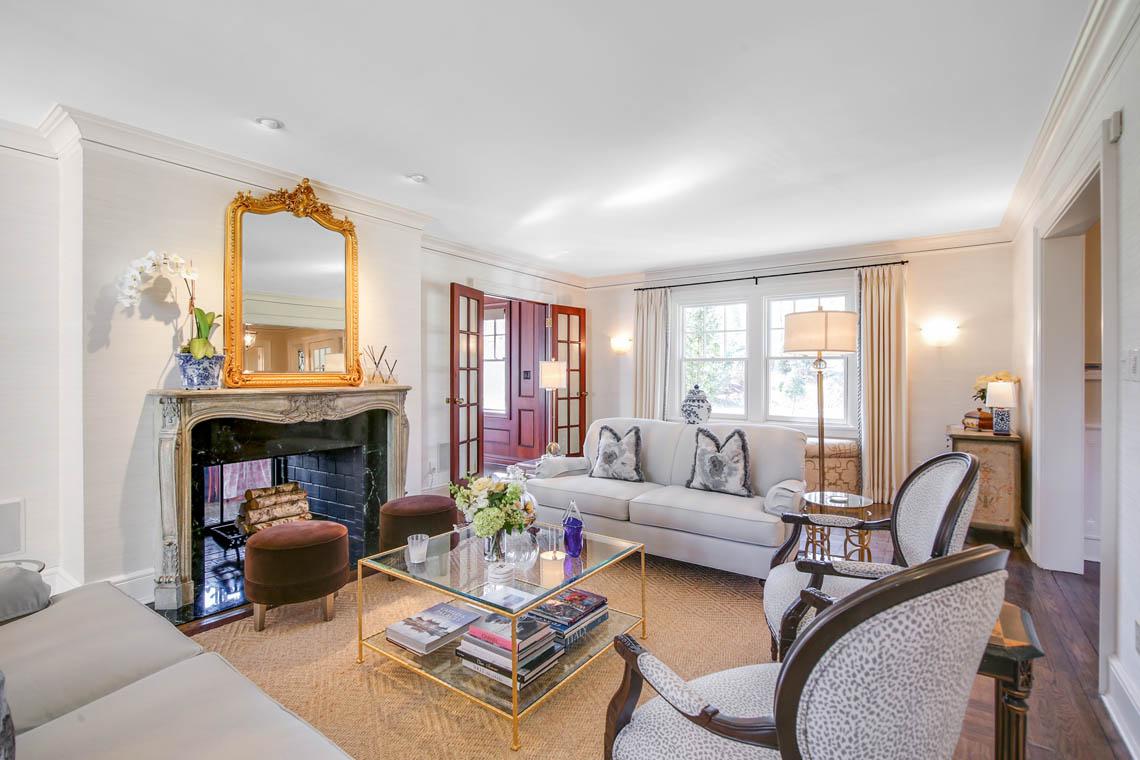 11 – 50 Grosvenor Road – Living Room