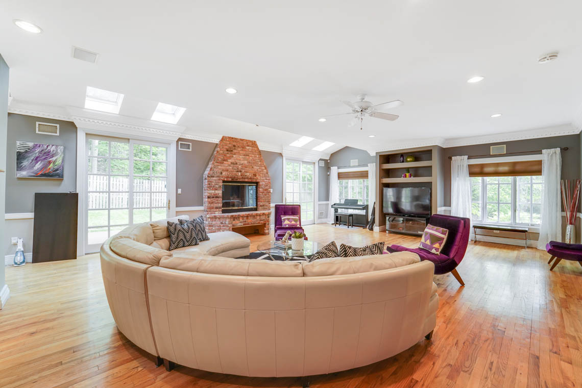 11 – 50 Montview Avenue – Great Room