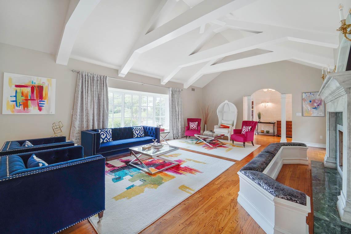 12 – 50 Montview Avenue – Living Room