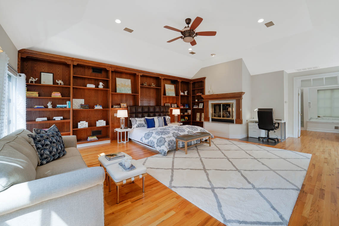 13 – 50 Montview Avenue – Master Bedroom