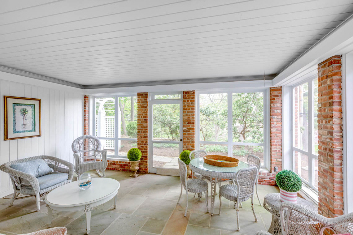 13 – 50 Stewart Road – Screened-in Porch