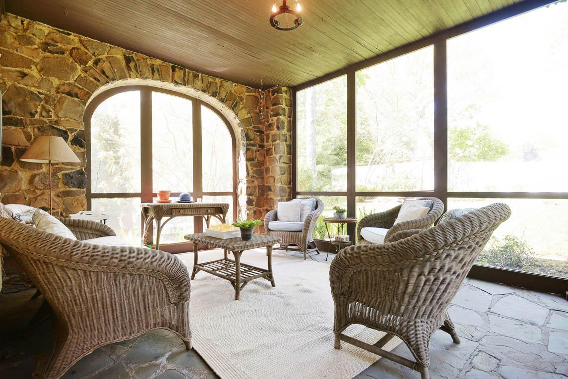 14 – 1 Twin Oak Road – Screened In Porch