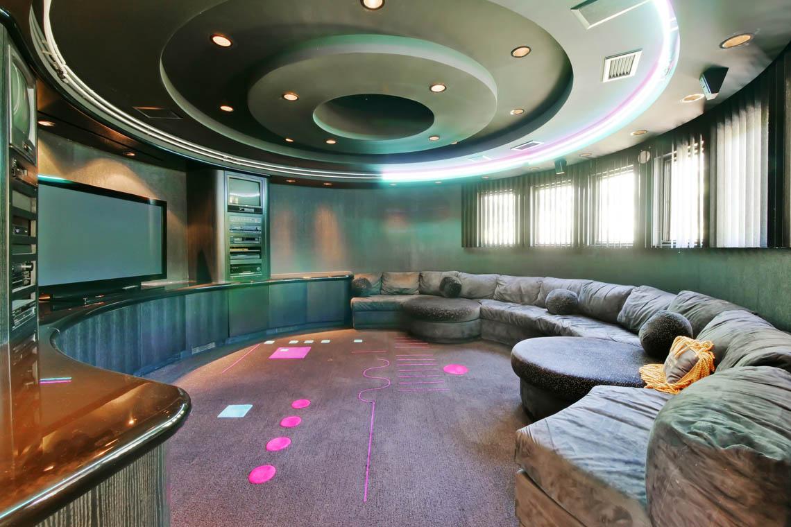 14 – 5 Lockhern Court – Media Room