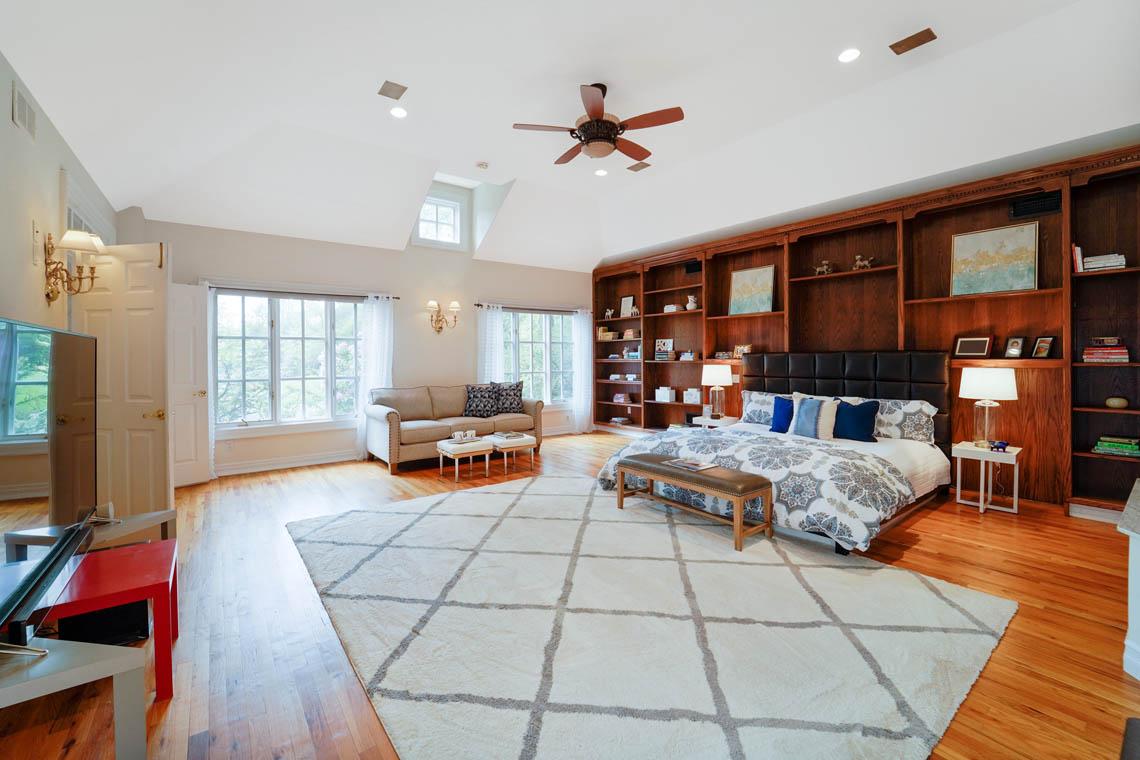 14 – 50 Montview Avenue – Master Bedroom