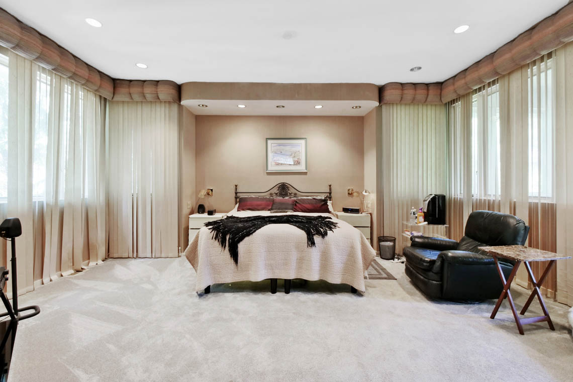16 – 5 Lockhern Court – Master Bedroom