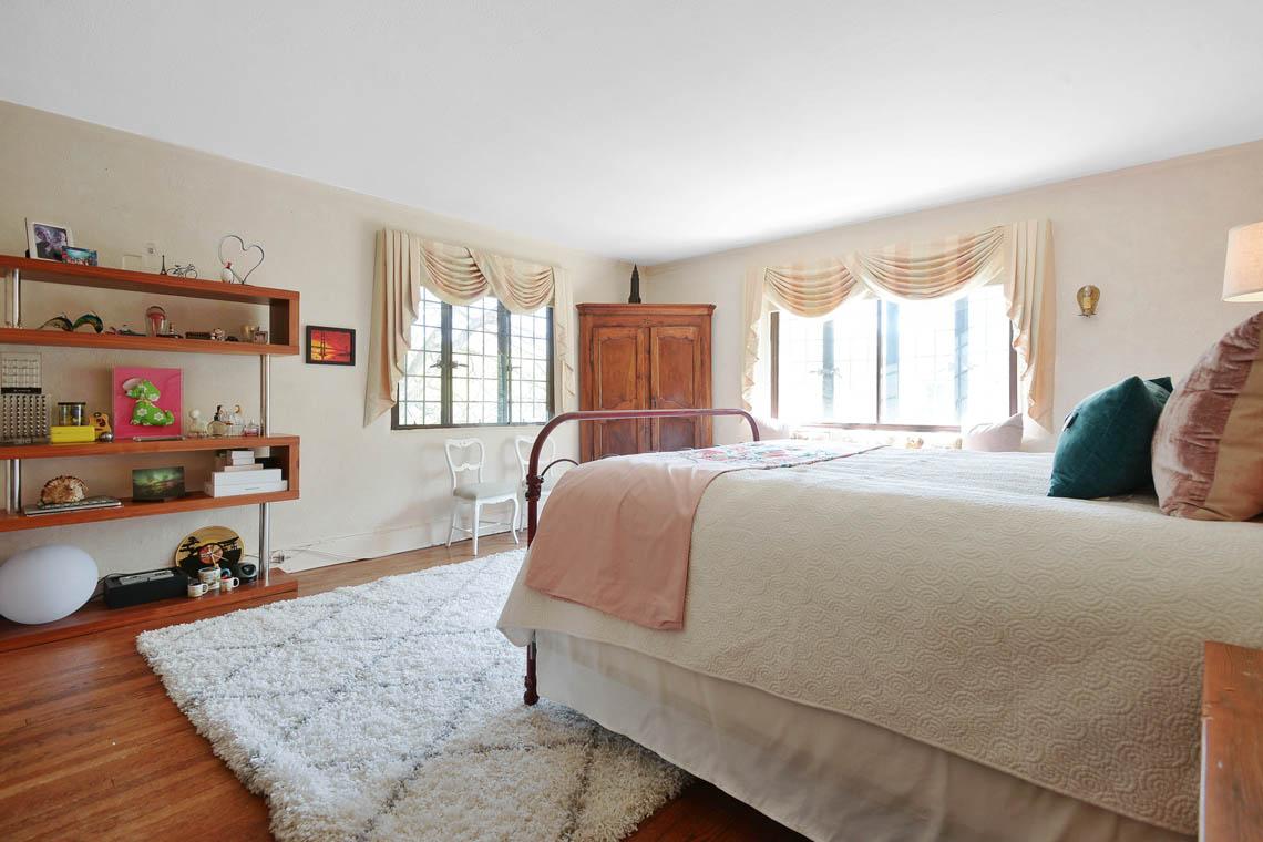 18 – 1 Twin Oak Road – Bedroom 2
