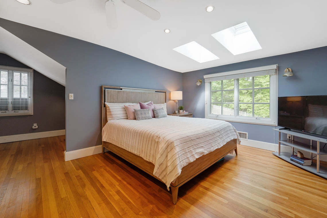 19 – 50 Montview Avenue – Bedroom