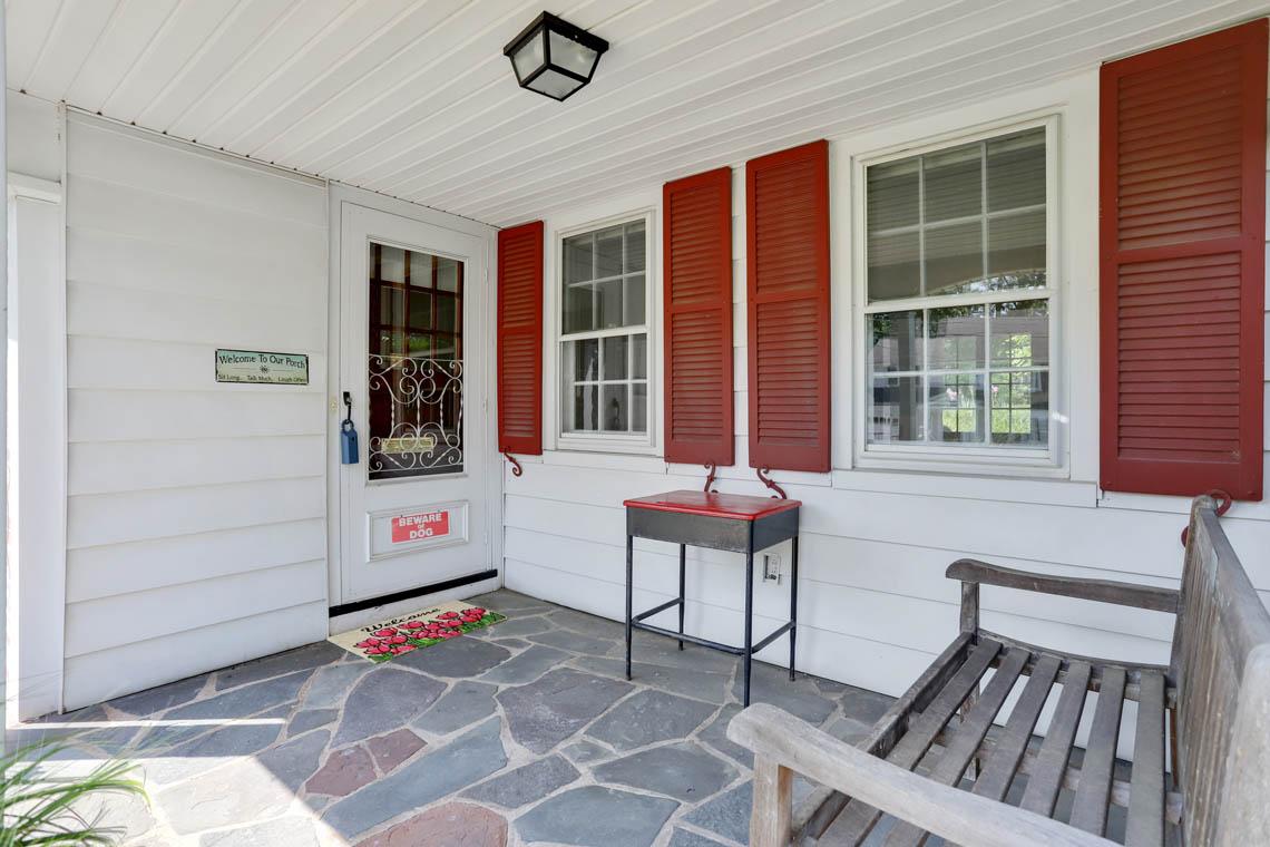 2 – 59 Wellington Avenue – Covered Front Porch