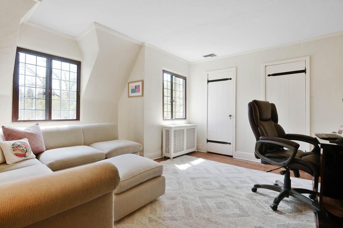 20 – 1 Twin Oak Road – Bedroom 4