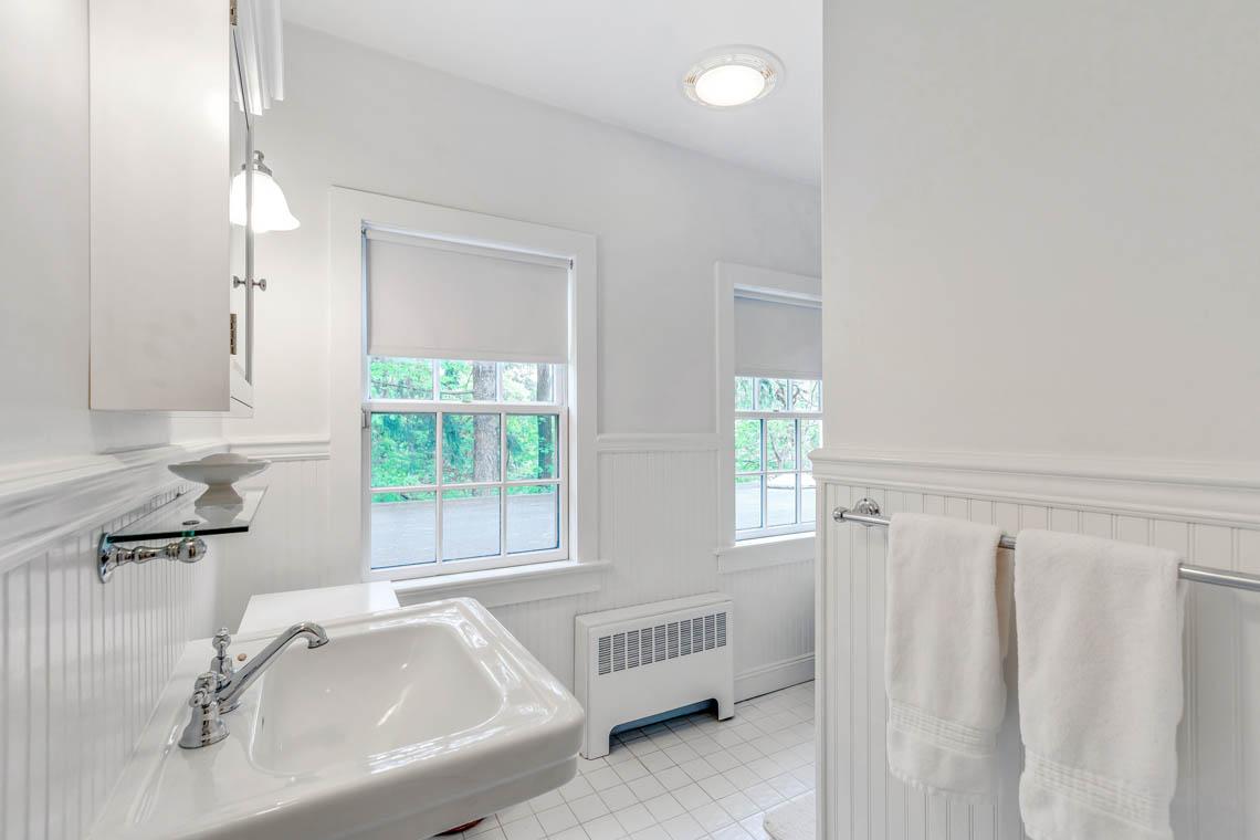 21 – 50 Stewart Road – Bedroom 4 En Suite Bath