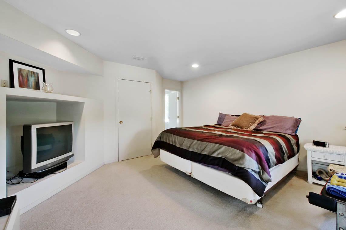 22 – 5 Lockhern Court – Bedroom