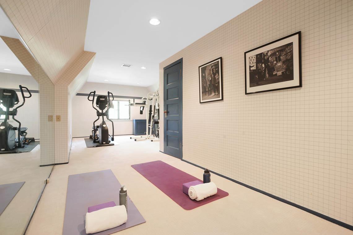 23 – 1 Twin Oak Road – Exercise Room