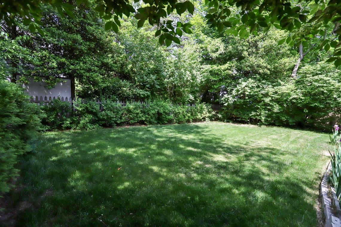 24 – 59 Wellington Avenue – Level Backyard