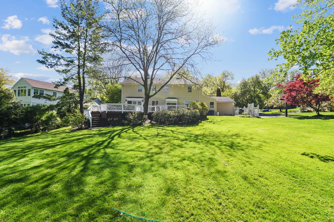 25 -335 Long Hill Drive – Totally Level Backyard