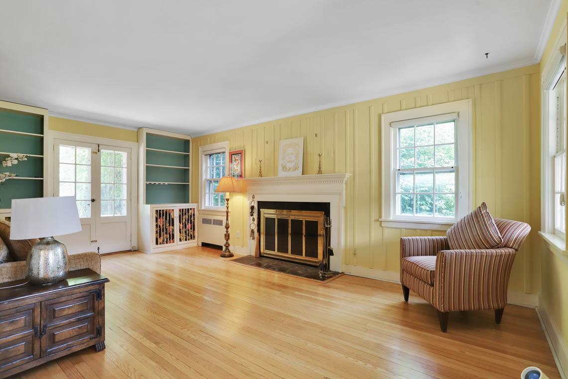3 – 59 Wellington Avenue – Living Room