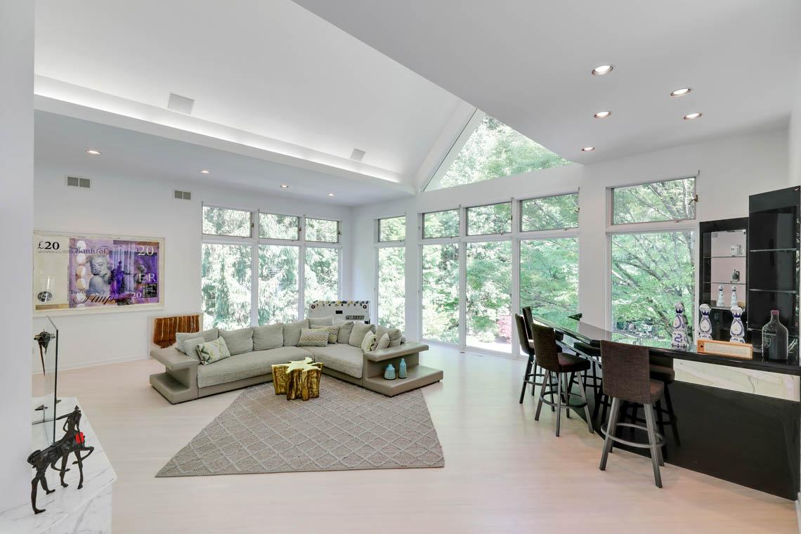 4 – 261 Hartshorn Drive – Great Room