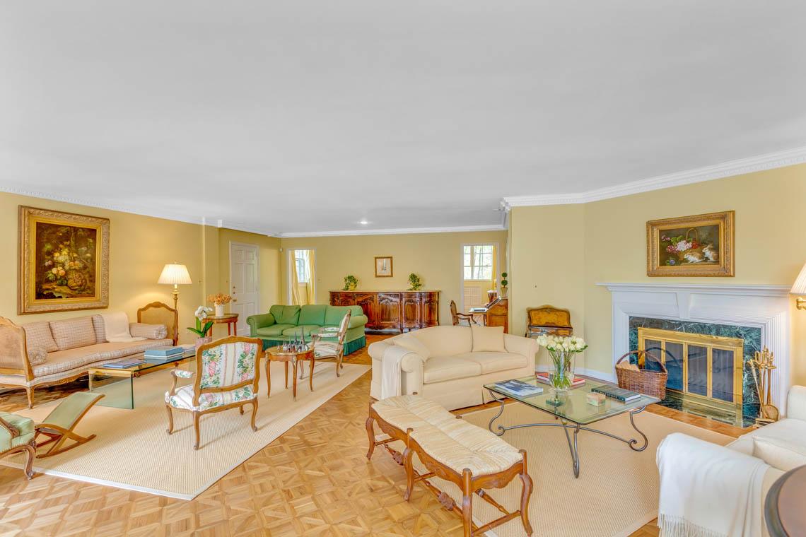 4 – 50 Stewart Road – Living Room