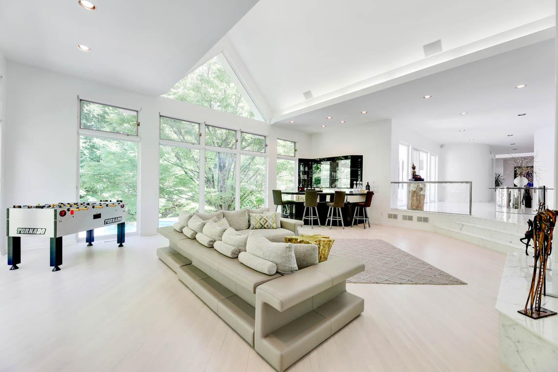5 – 261 Hartshorn Drive – Great Room