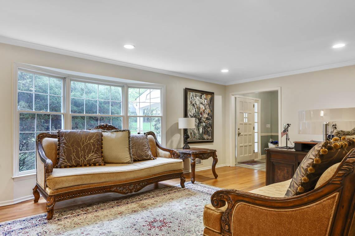 5 – 335 Long Hill Drive – Living Room