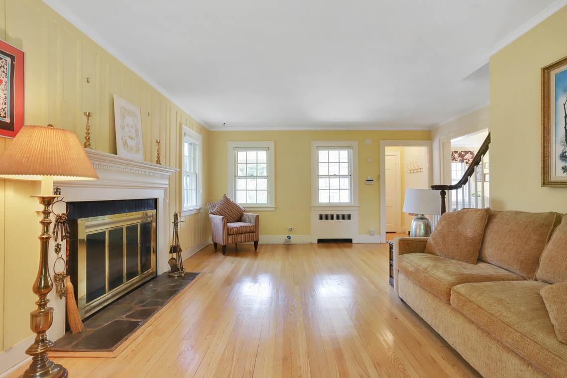 5 – 59 Wellington Avenue – Living Room