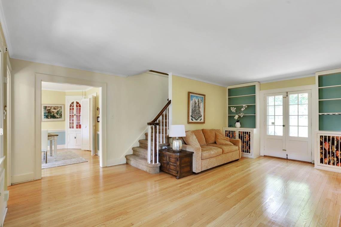 6 – 59 Wellington Avenue – Living Room