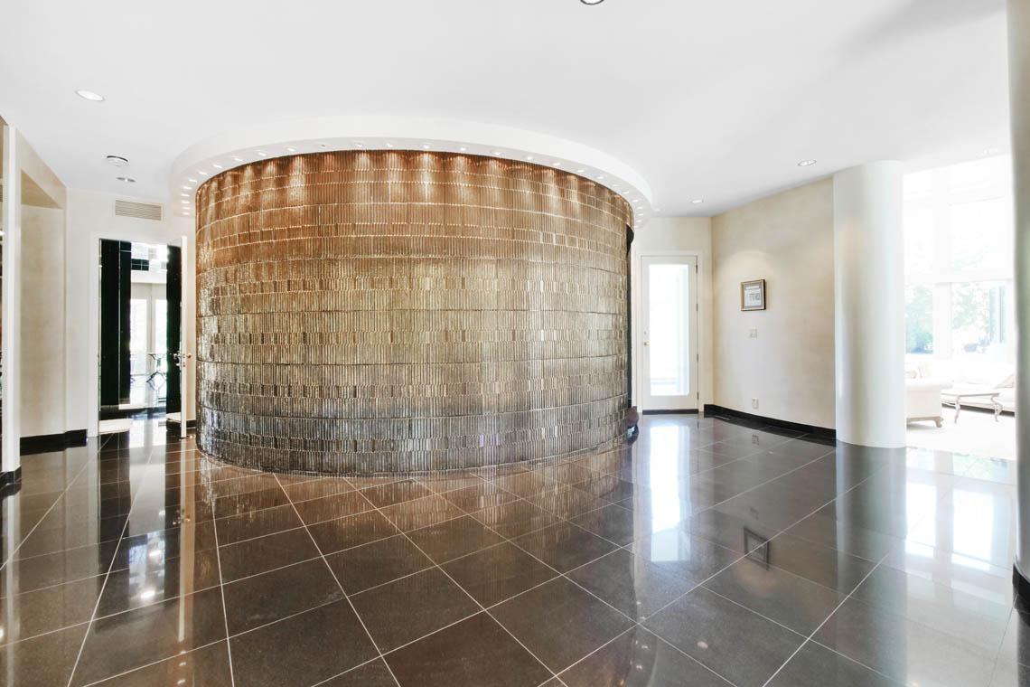 7 – 5 Lockhern Court – Entrance Hall