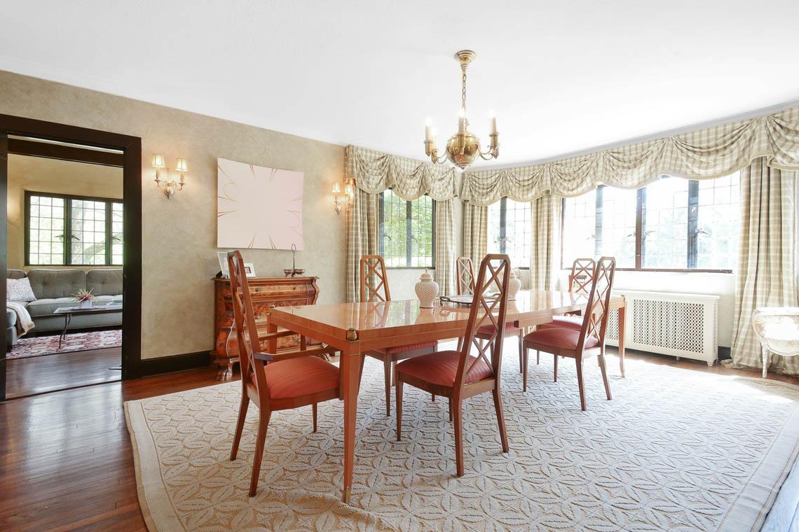 8 – 1 Twin Oak Road – Dining Room